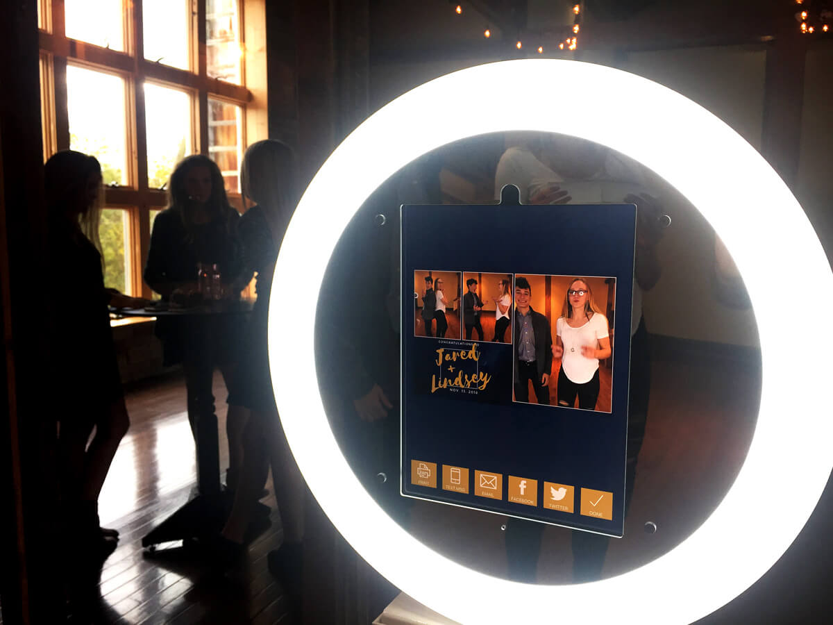 iPad Photo Booth Kiosk For Sale, Ultra Portable Ring light GIF Booth |  Mobibooth®